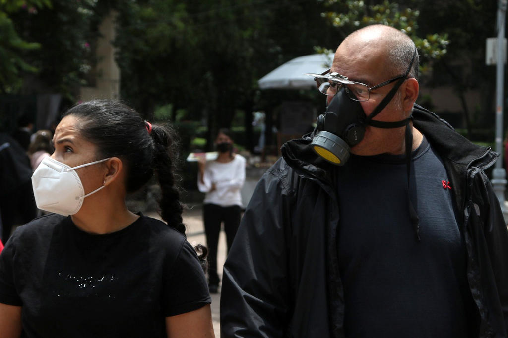 México suma 236 mil 331 muertes; hay 4 mil 438 contagios nuevos