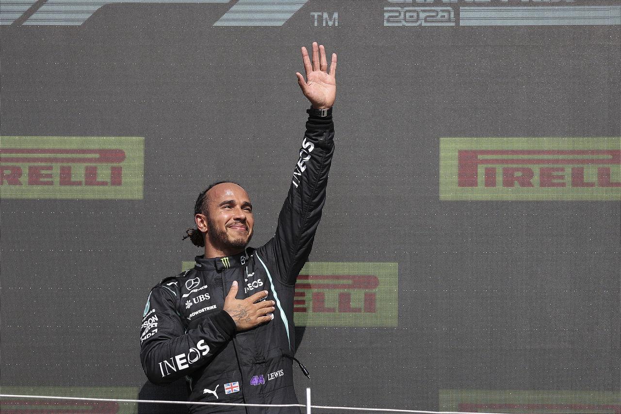 Hamilton ganó en Silverstone