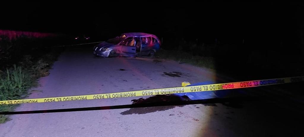 Volcadura sobre la carretera Durango-Gómez Palacio deja un adolescente muerto