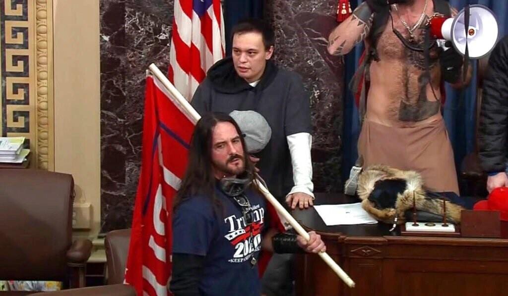 Hombre que irrumpió en el Capitolio de Estados Unidos enfrenta su sentencia