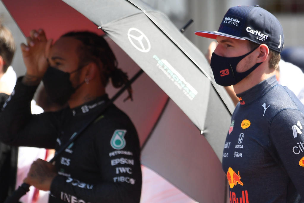 Red Bull pide que paren los insultos raciales contra Lewis Hamilton