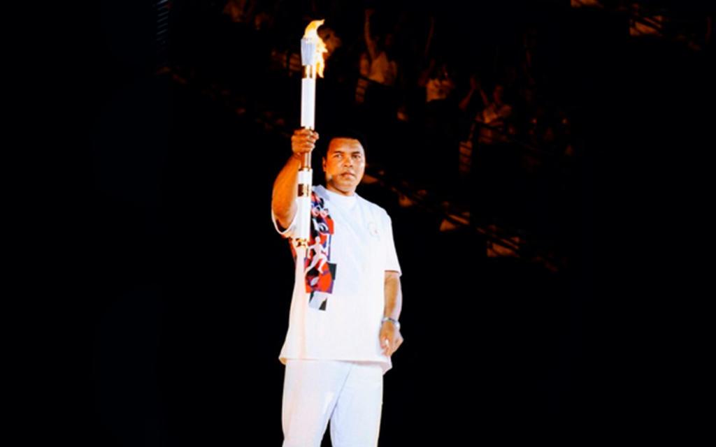 Alí encendió la antorcha olímpica en Atlanta hace 25 años