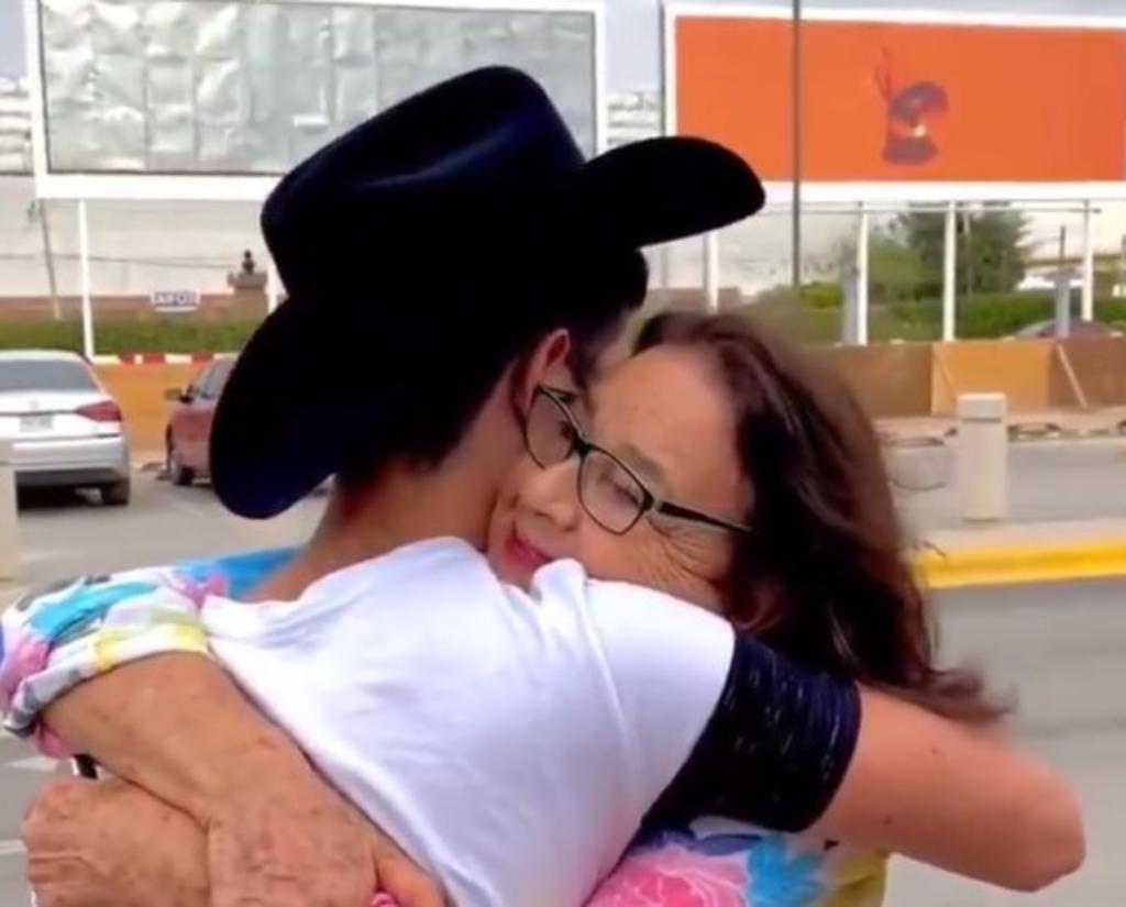 Tras escándalo, Pablo Montero comparte su llegada a Torreón junto a su hijo