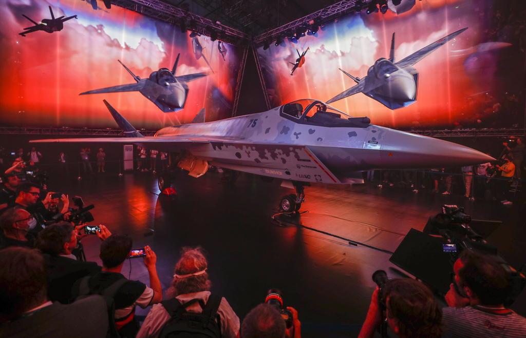 Rusia presenta un nuevo avión de combate
