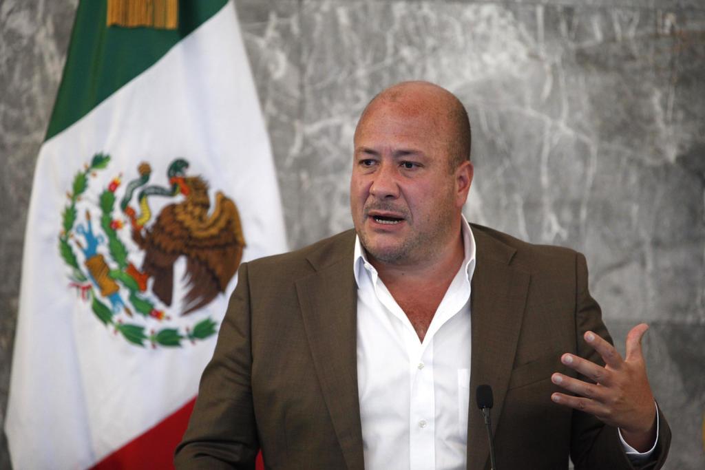 Enrique Alfaro acusa de 'irresponsable' a López-Gatell por conflicto sobre vacunación COVID