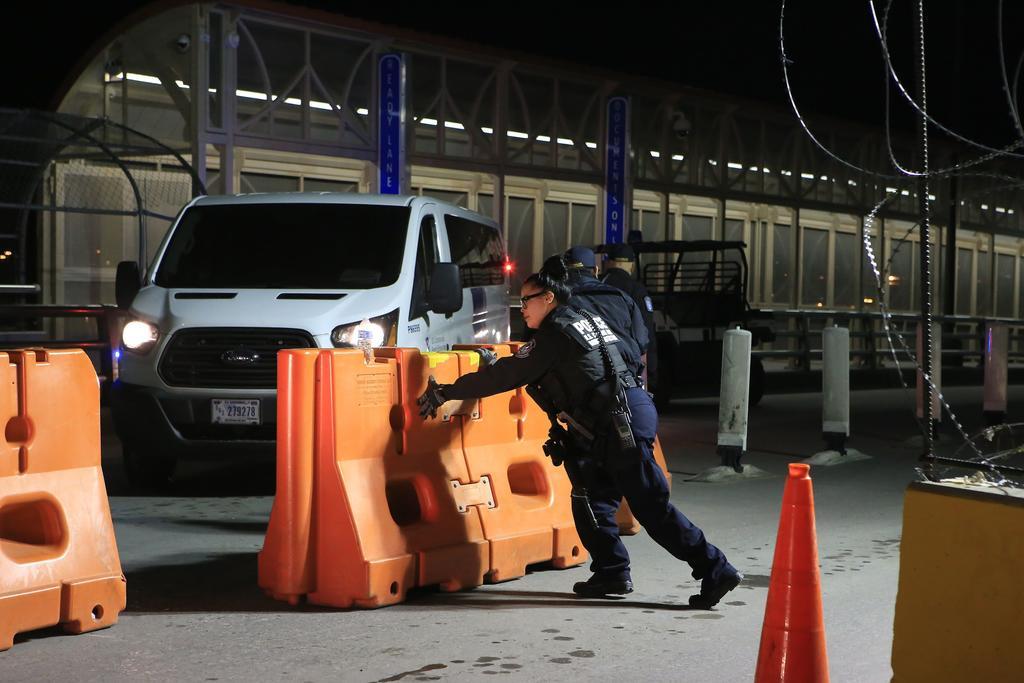 Se extienden restricciones en la frontera de México con EUA