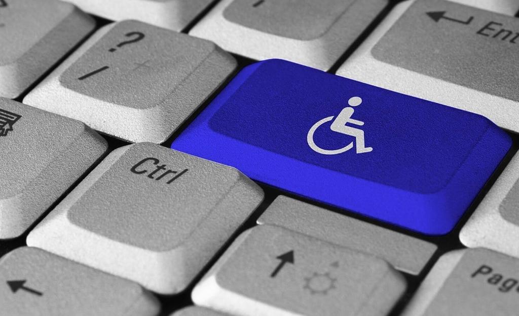 Desarrollan tecnología para la inclusión de personas con parálisis