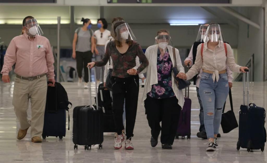 Continúa falla en servidor de EUA que afecta vuelos en el Aeropuerto Internacional de la Ciudad de México