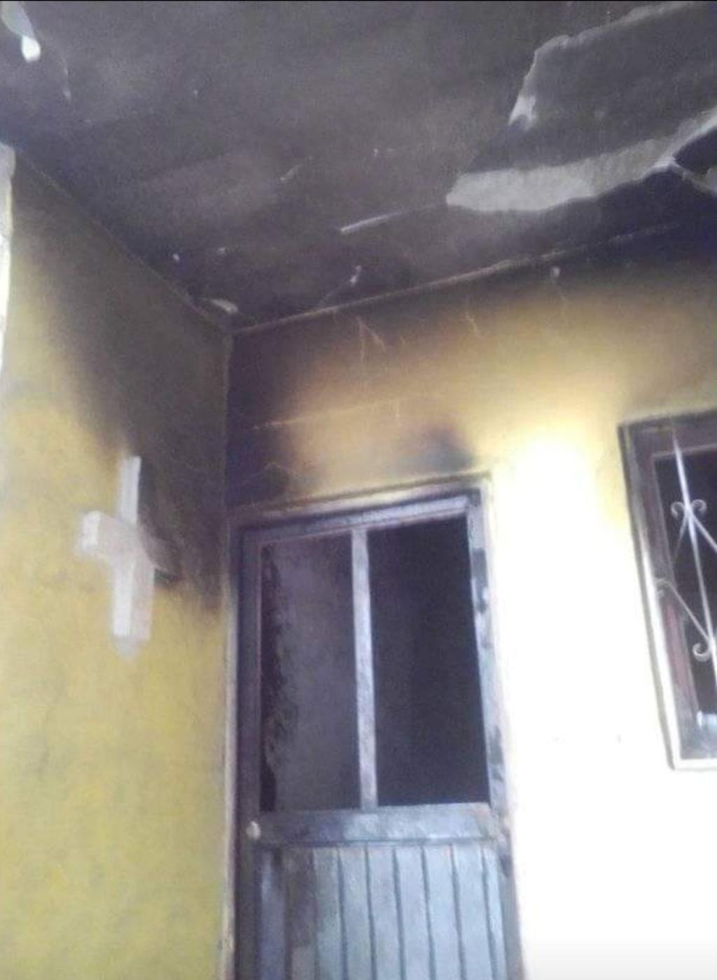 Fuego arrasa con hogar de joven matrimonio en la colonia Tierra Blanca de Gómez Palacio