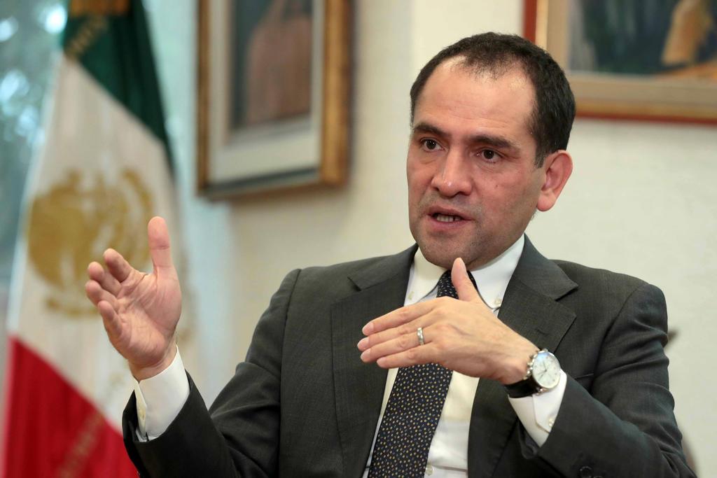 Jorge Alcocer y Arturo Herrera son denunciados ante la FGR por el desabasto de medicamentos oncológicos