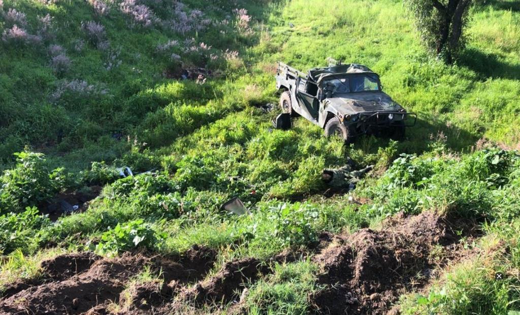 Volcadura deja un militar muerto y dos heridos en Puebla