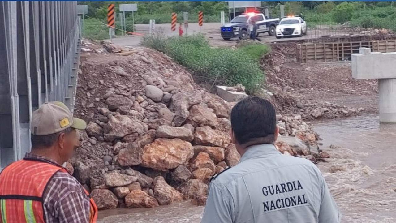 Por daños en puente, cierran tramo de la rúa Durango-Parral