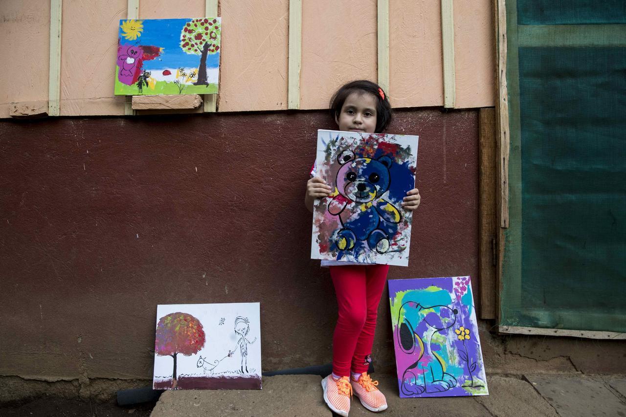 Kassandra, la niña que pinta contra el cáncer