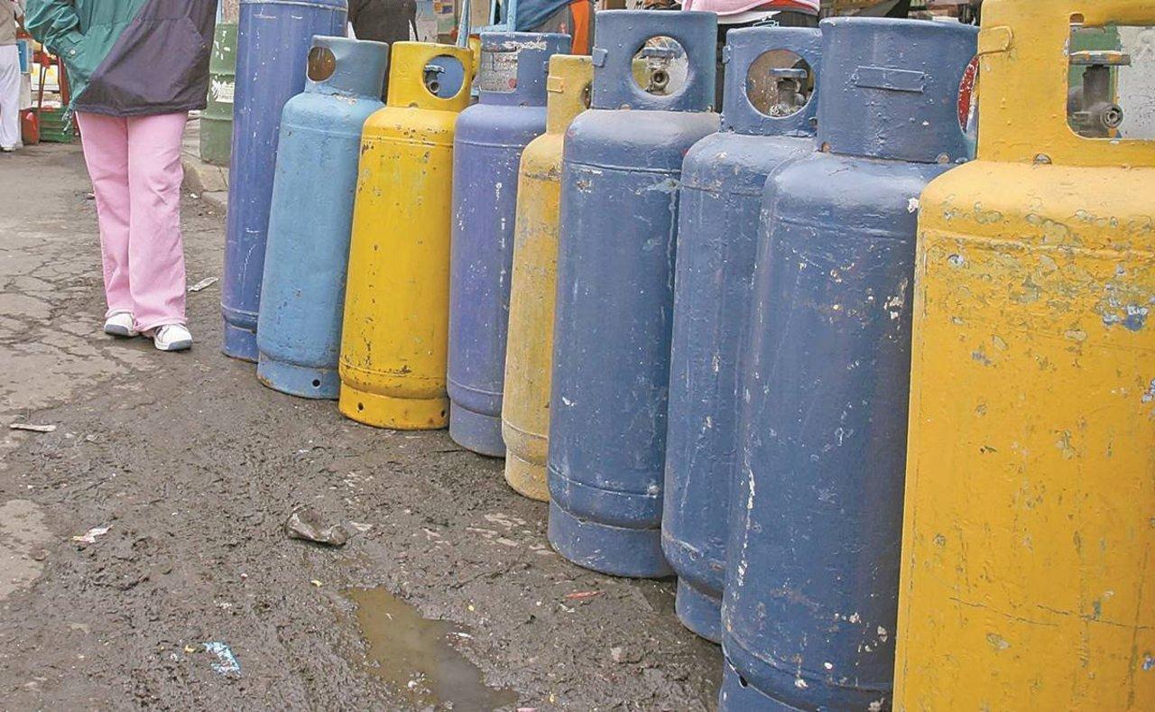 Distribuidores de gas LP, en huelga
