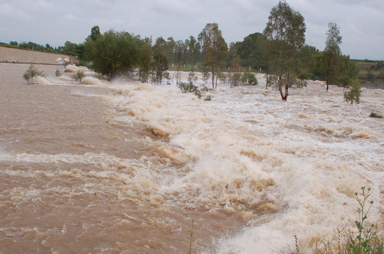 Derraman cinco presas de Durango
