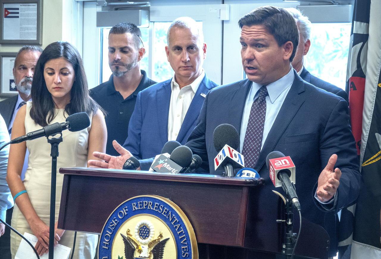 El gobernador de Florida apela fallo judicial sobre uso de cubrebocas en los colegios