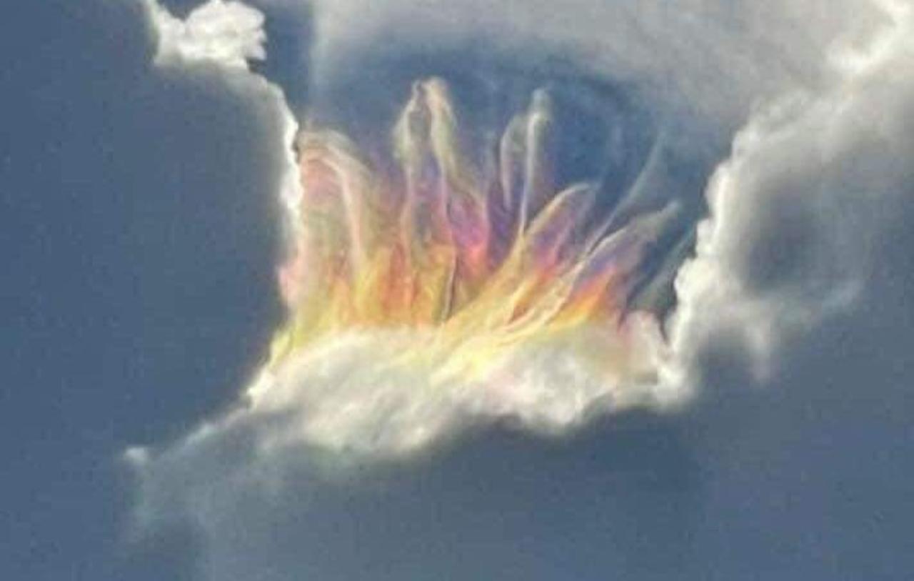 ¿El apocalipsis? Captan arcoíris de fuego en Florida