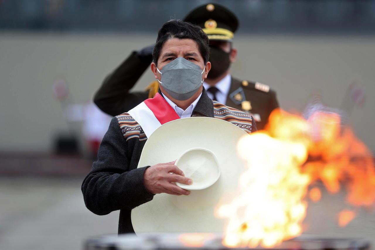 Pedro Castillo, presidente de Perú, viajará a México y EUA