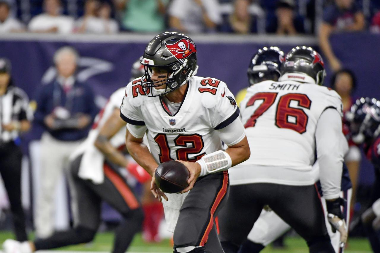 Tom Brady y los Buccaneers regresan la acción de la NFL contra los Cowboys de Dallas