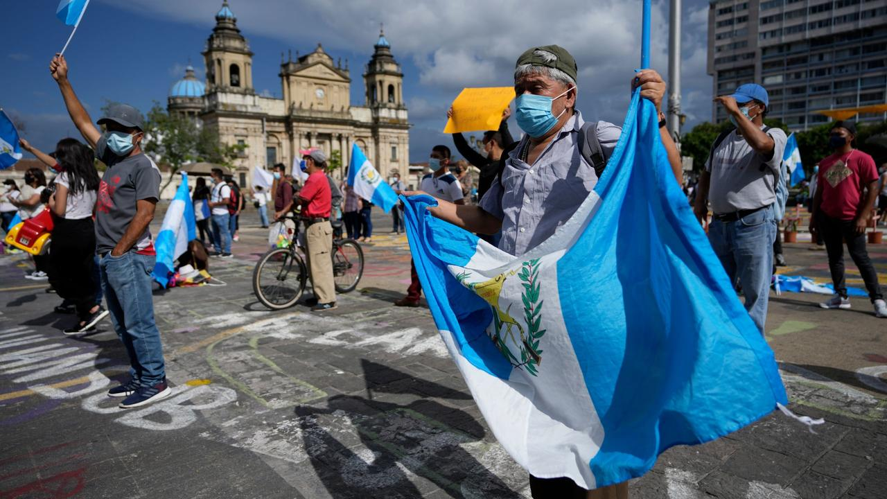Oro, drogas y sobornos: ¿Qué hay detrás del escándalos de corrupción en Guatemala?