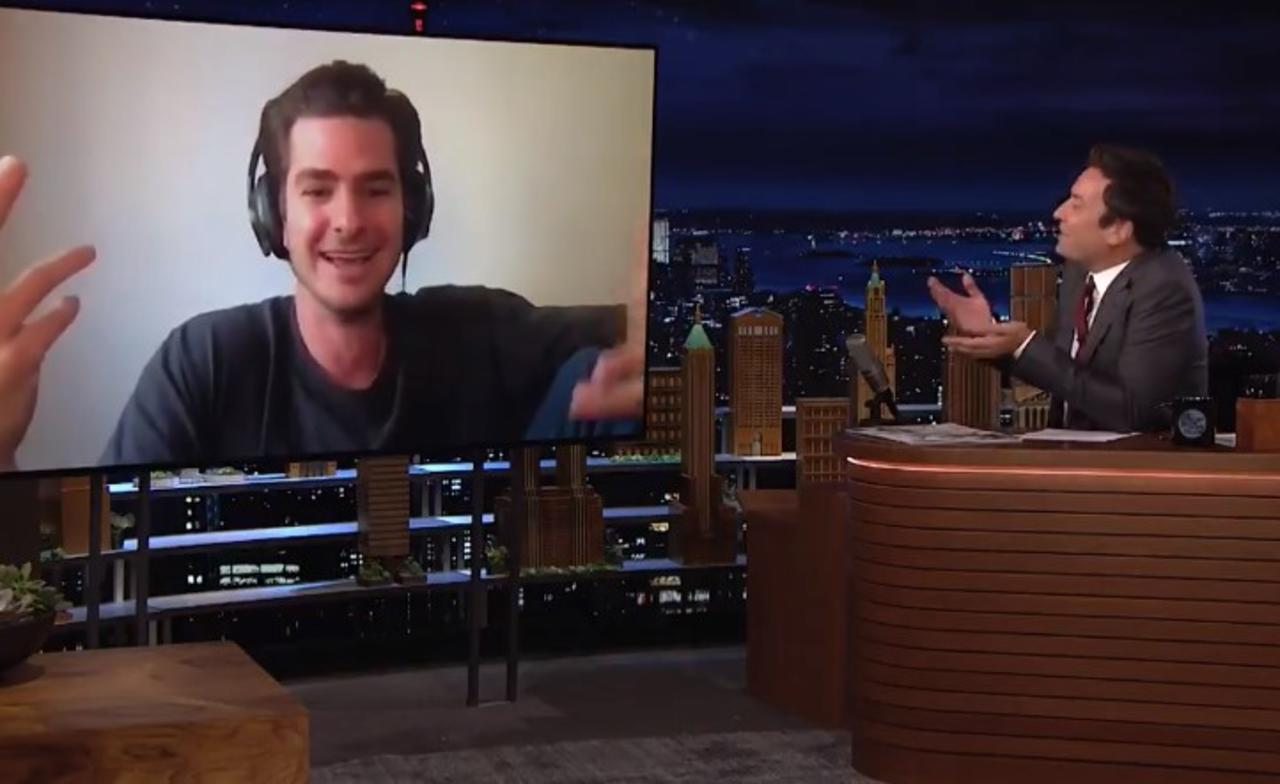 Jimmy Fallon pone nervioso a Andrew Garfield al cuestionar multiverso en Spider-Man