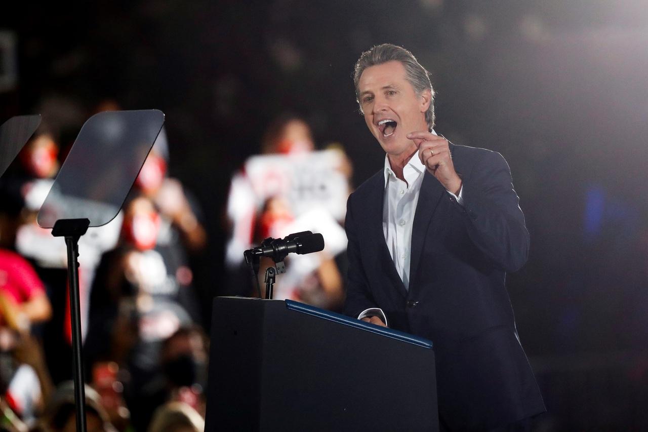 Gobernador de California afronta revocatoria