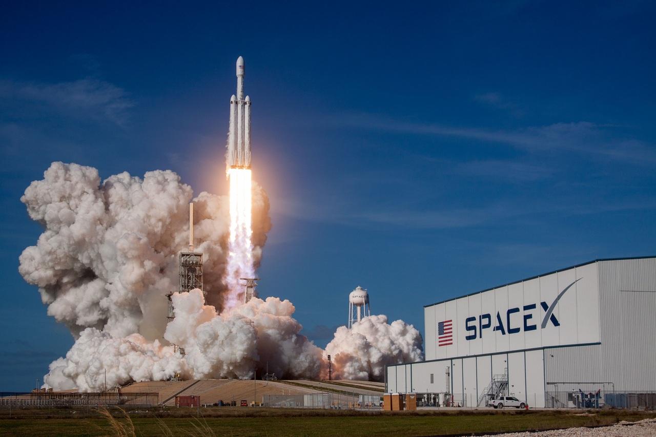 NASA da contratos  del programa Artemis