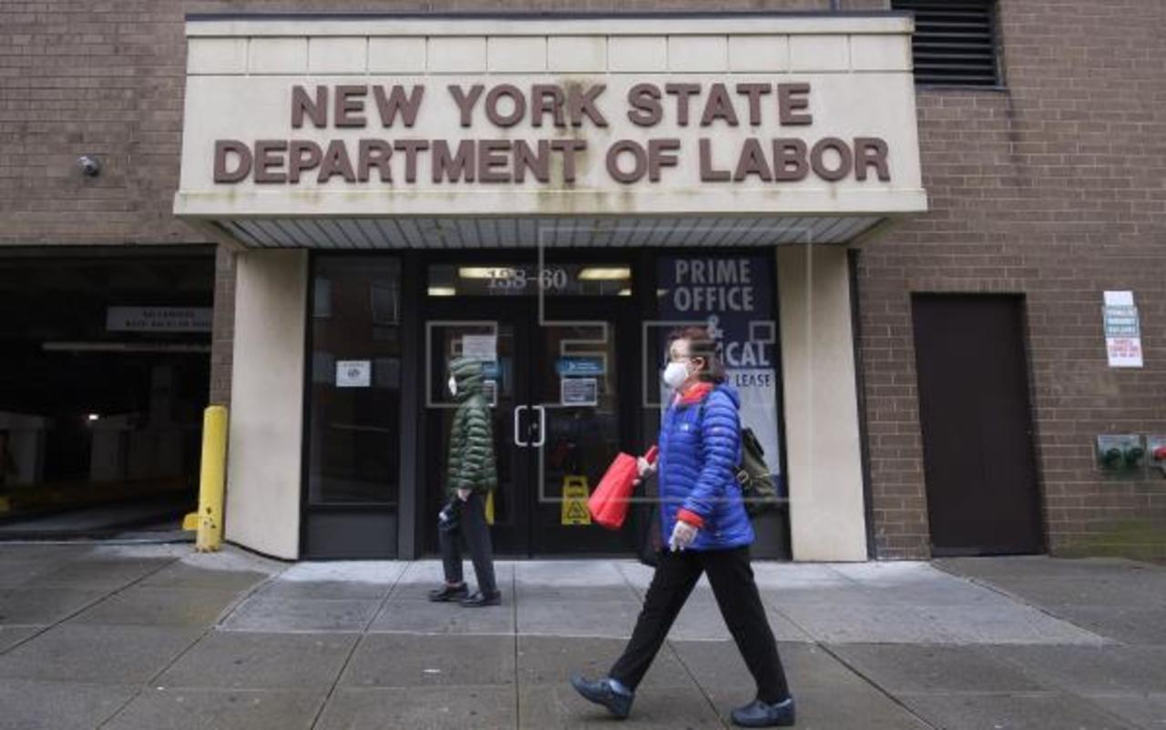 Suben solicitudes del seguro por desempleo en EU