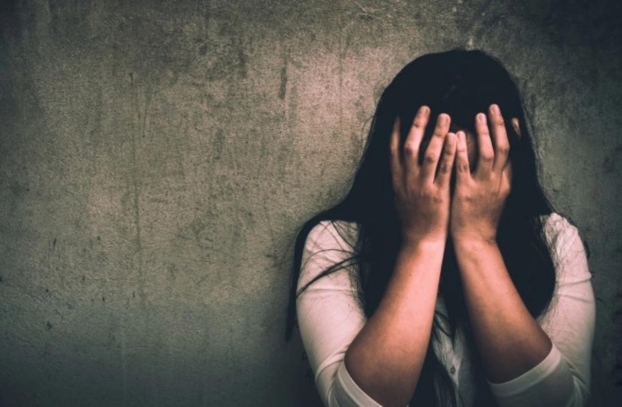 Mujer pierde la vida tras ser envenenada por su esposo y la familia de éste