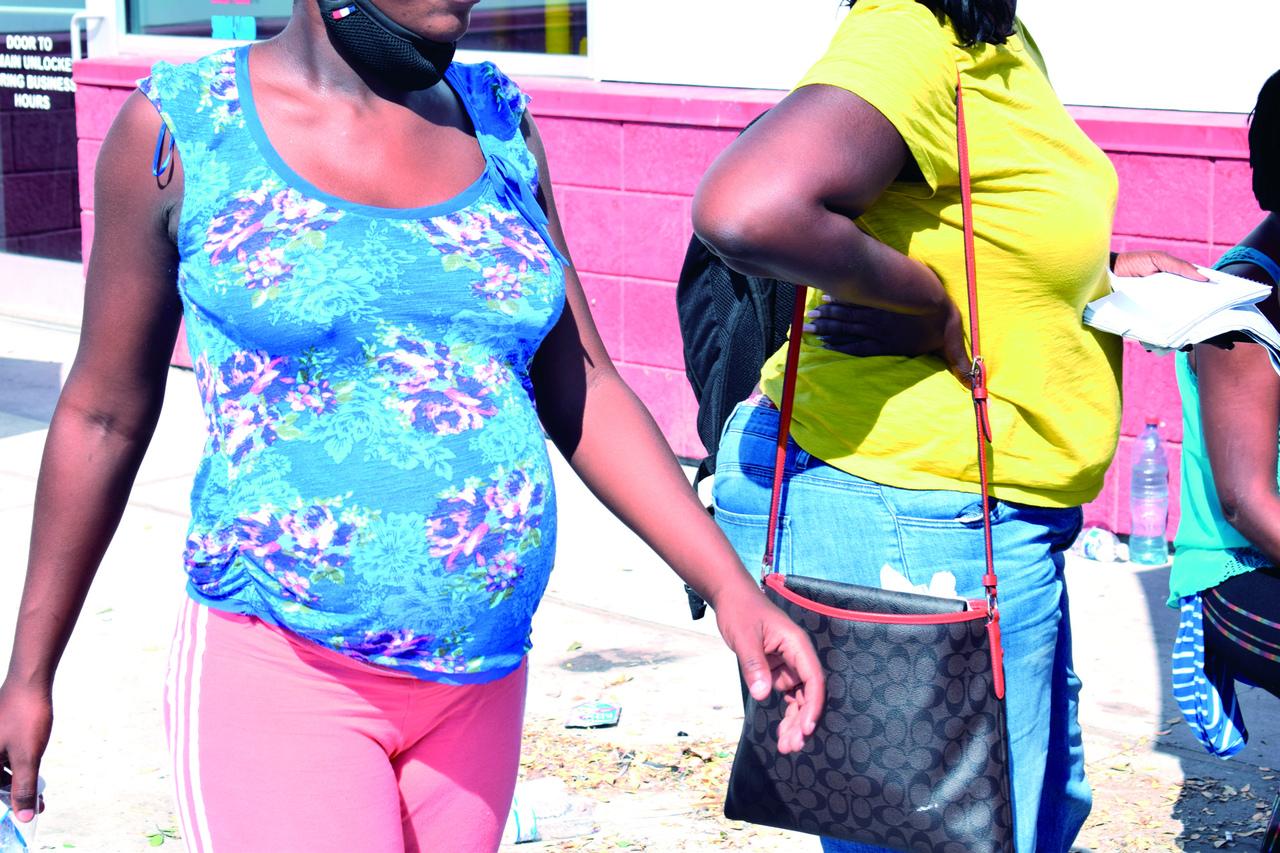 Haitianas buscan que sus hijos nazcan en EUA