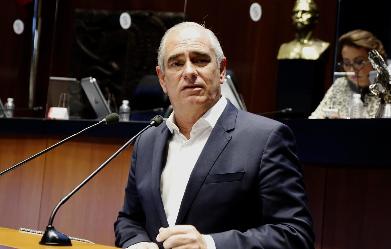 El PAN señala en el Senado la contratación de 'falsos' médicos cubanos