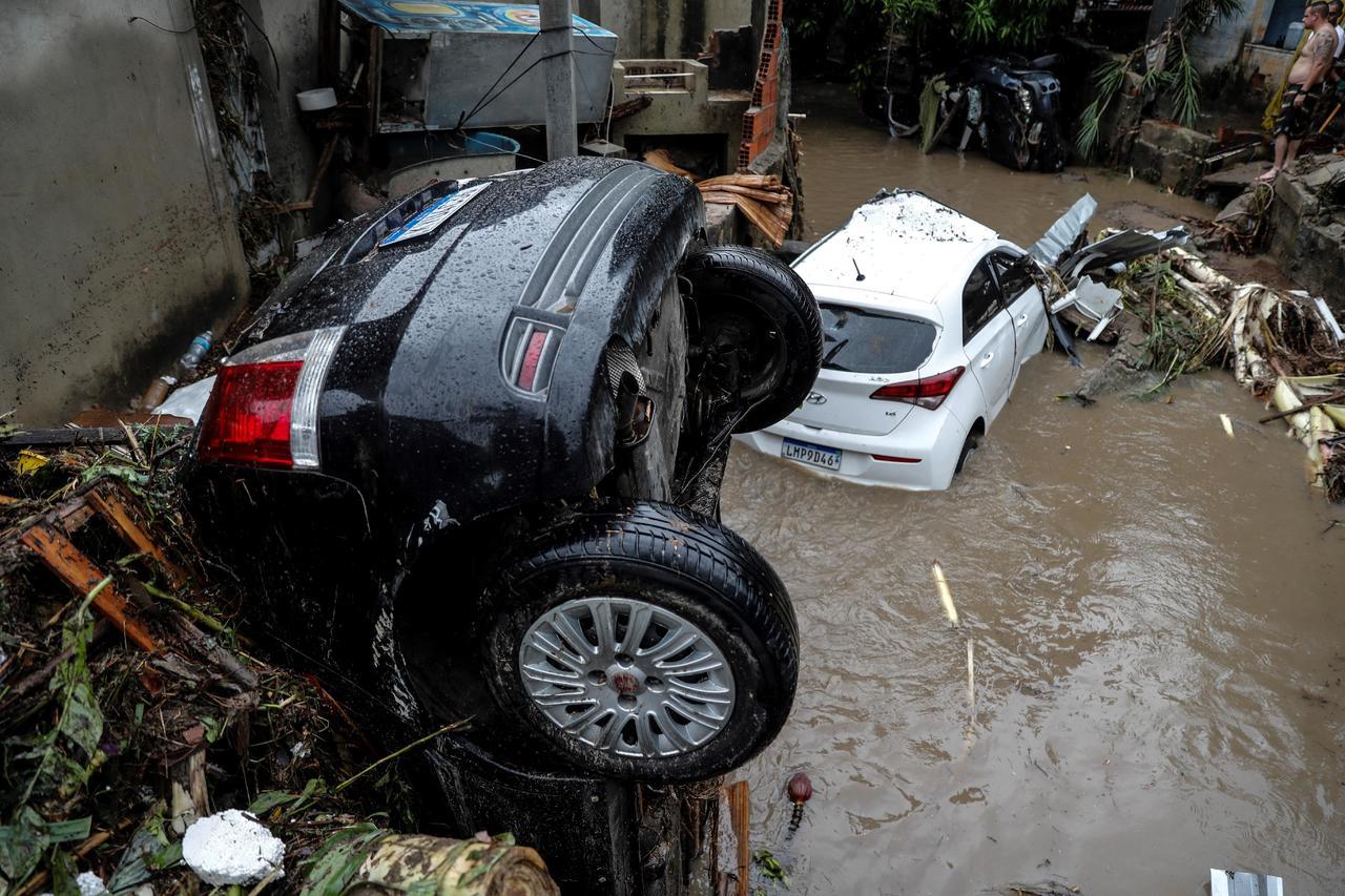 ¿Cómo funcionan los seguros de auto en caso de desastres naturales?