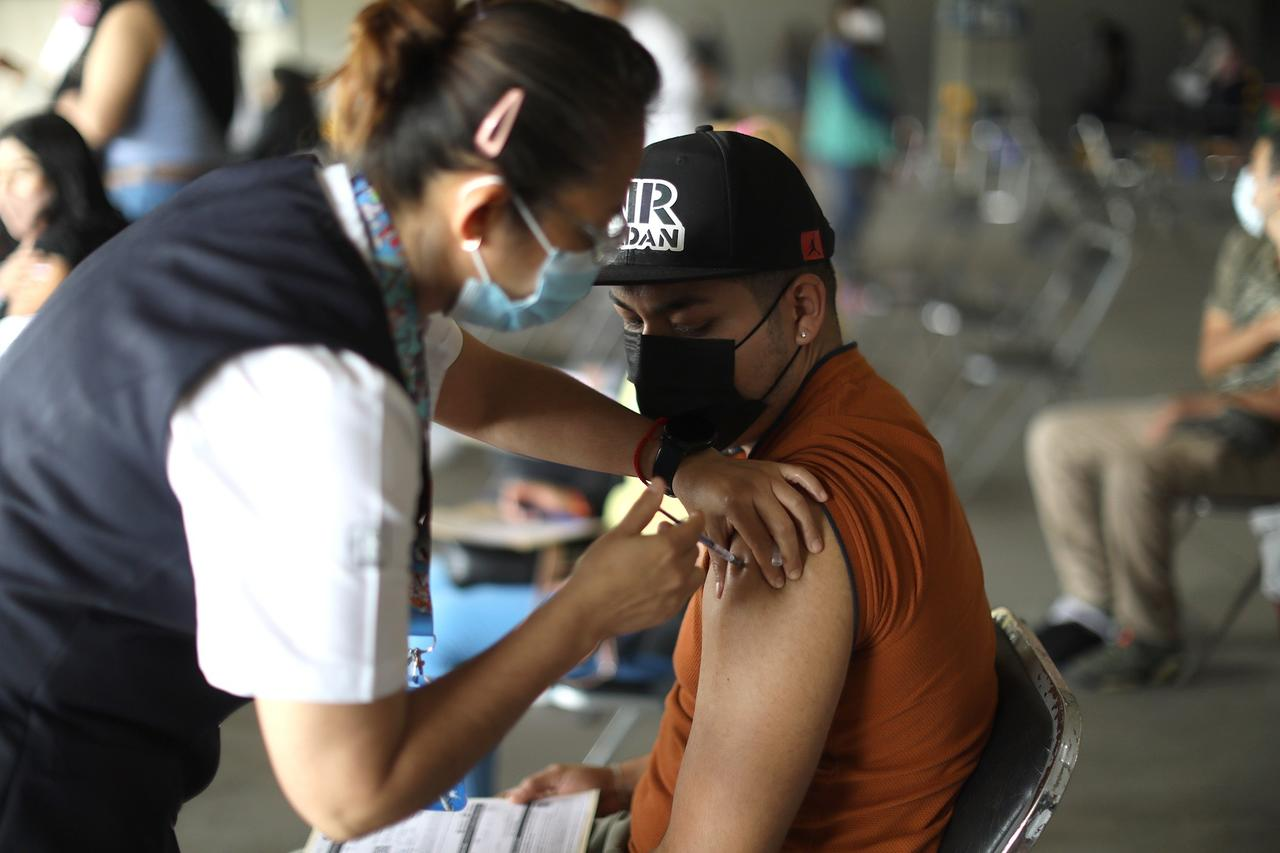 México registra  272 mil 580 muertes por COVID
