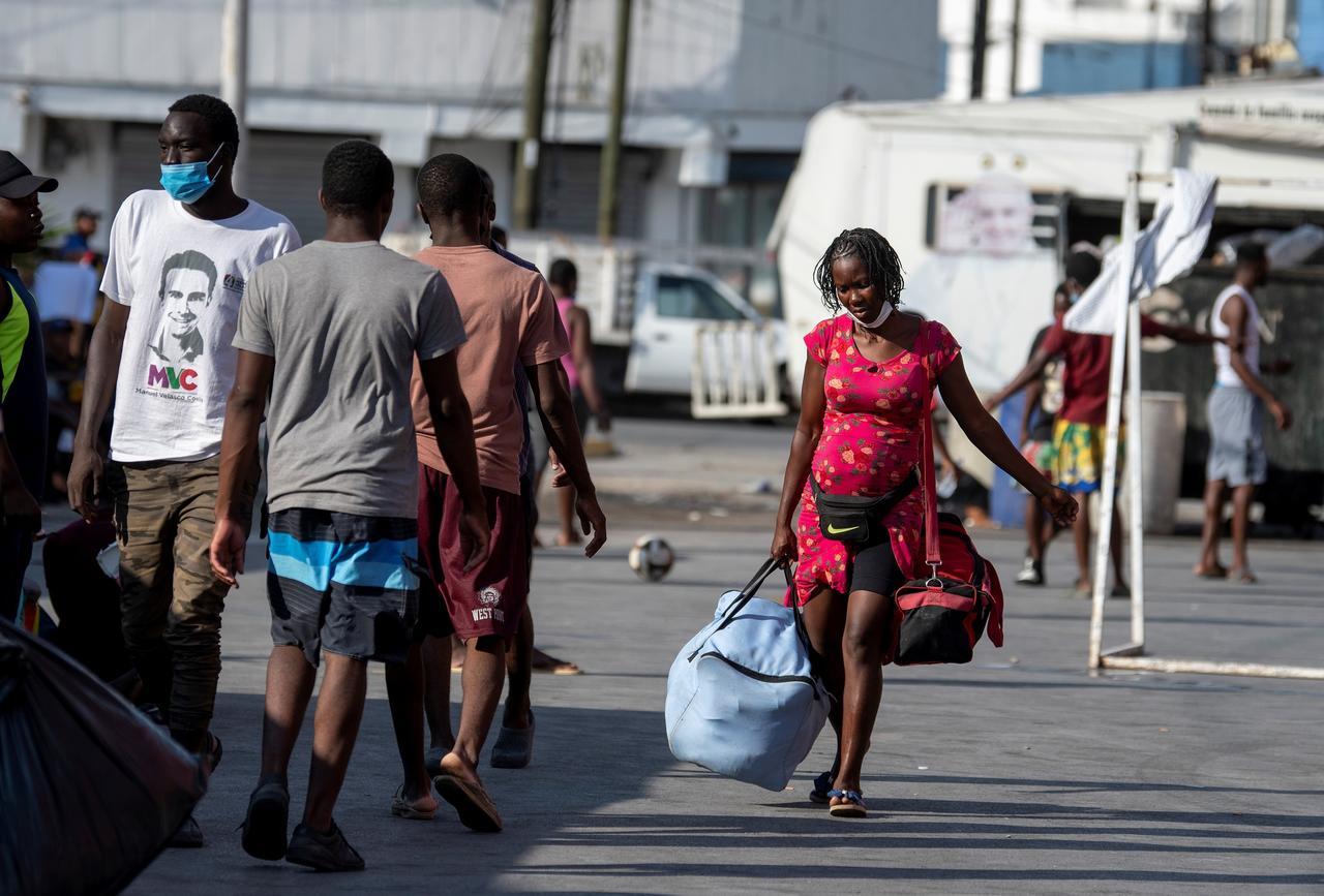 Renuncia enviado de EEUU a Haití debido a expulsiones