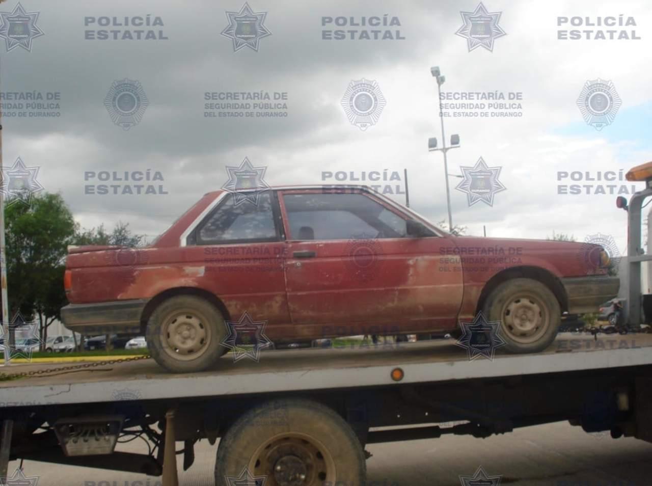 Se 'topan' con dos vehículos robados