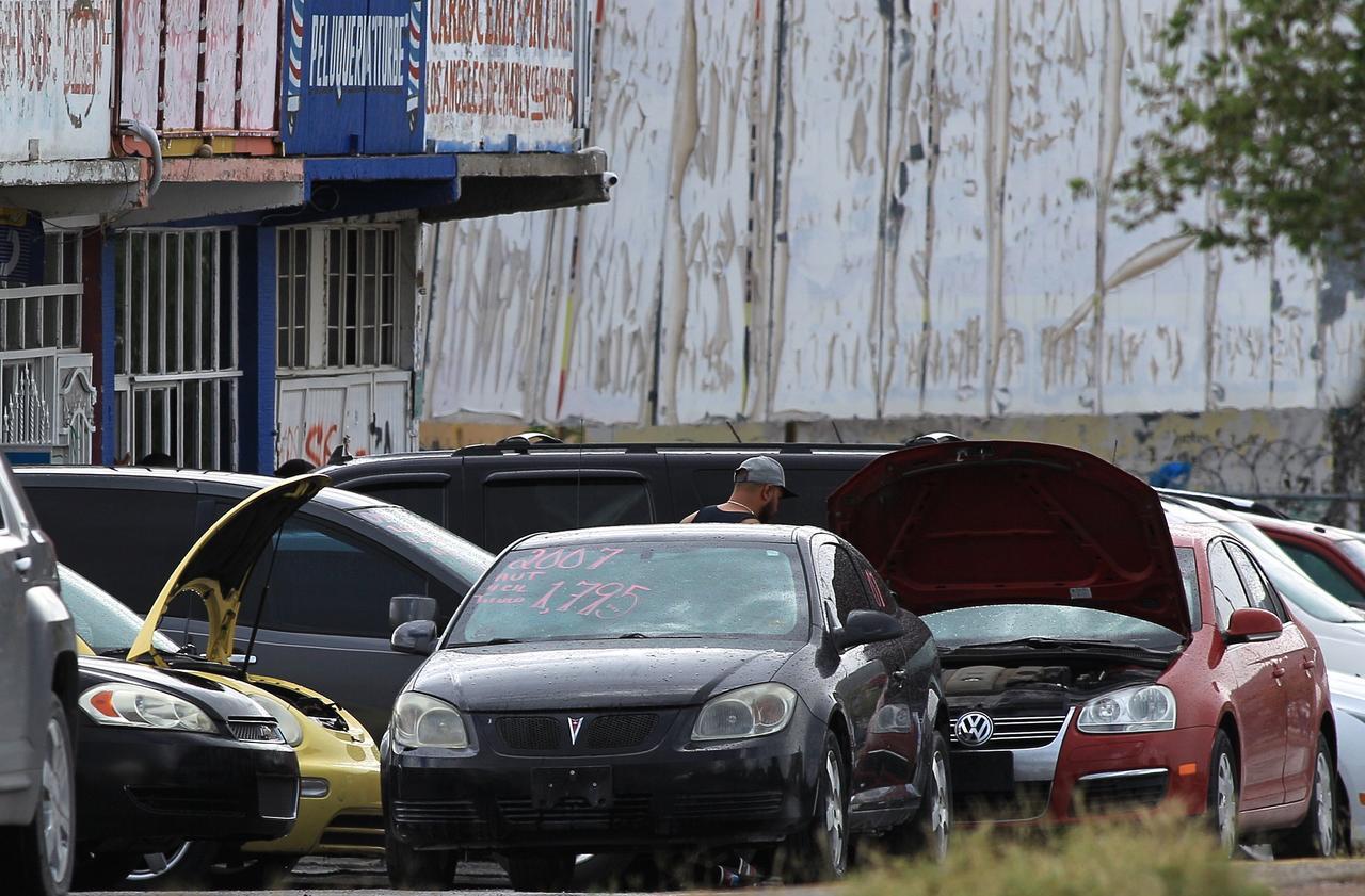 López Obrador anuncia que regularizar 'autos chocolate' costará 2 mil 500 pesos en norte de México